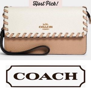 COACH Tan White Wristlet Wallet NWT -HOST PICK! 🌟